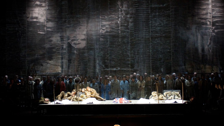 Yoshi Oida | War Requiem | Opéra de Lyon 2017